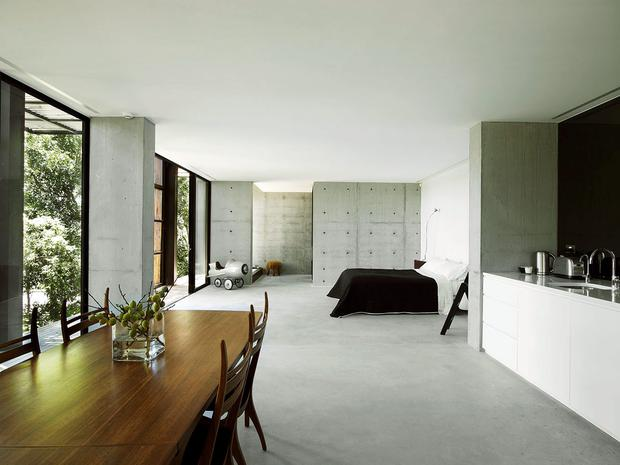 The master bedroom in the home of Cate Blanchett and Andrew Upton Photo via: www.domain.com.au