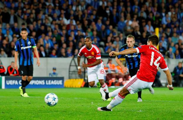Football - Club Brugge v Manchester United - UEFA Champions League Qualifying Play-Off Second Leg - Jan Breydel Stadium, Bruges, Belgium - 26/8/15 Manchester United's Javier Hernandez misses a penalty Action Images via Reuters / Carl Recine Livepic EDITORIAL USE ONLY.