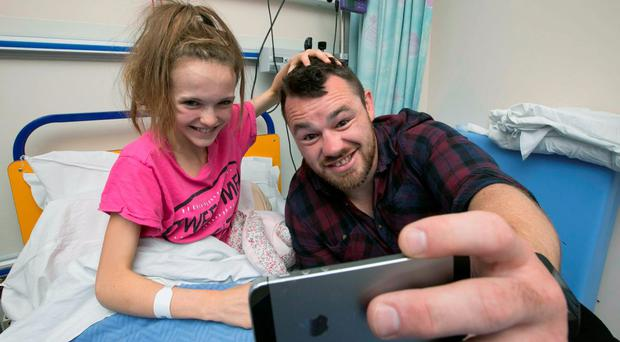 Cian was in top form when he visited the hospital and posed for fun selfies with Naoise Heather (9) from Balbriggan