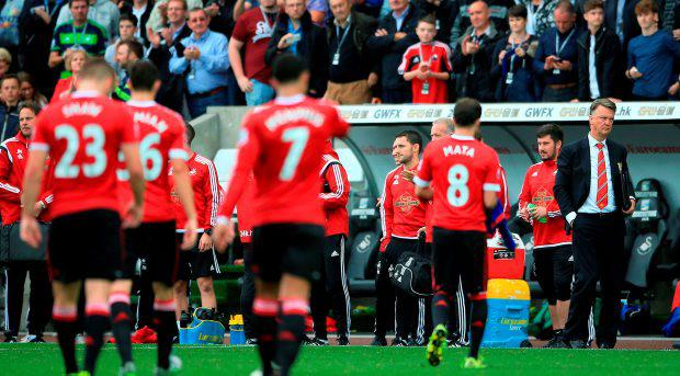 Manchester United manager Louis van Gaal (far right) looks dejected after the final whistle during the Barclays Premier League match at the Liberty Stadium, Swansea. PRESS ASSOCIATION Photo. Picture date: Sunday August 30, 2015. See PA story SOCCER Swansea. Photo credit should read: Nick Potts/PA Wire. RESTRICTIONS: EDITORIAL USE ONLY No use with unauthorised audio, video, data, fixture lists, club/league logos or