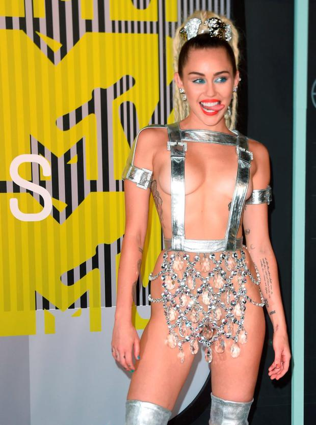 Miley cyrus red carpet see through
