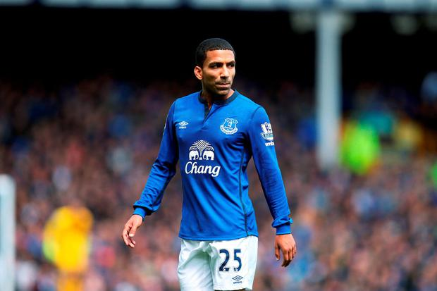 Everton have announced the signing of winger Aaron Lennon from Tottenham on a three-year deal