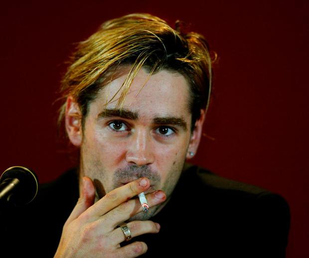 Actor Colin Farrell smoking in 2004