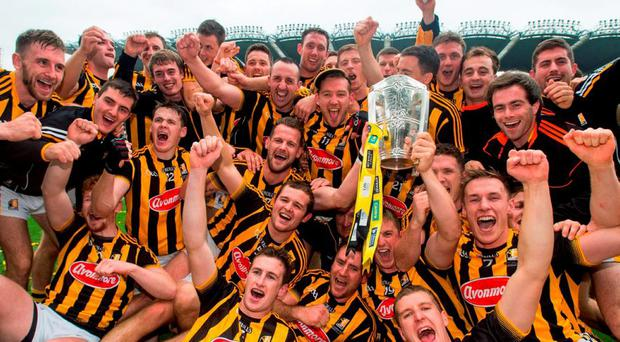 Kilkenny players celebrate with the Liam MacCarthy Cup. GAA Hurling All-Ireland Senior Championship Final, Kilkenny v Galway. Croke Park, Dublin. Picture credit: Stephen McCarthy / SPORTSFILE
