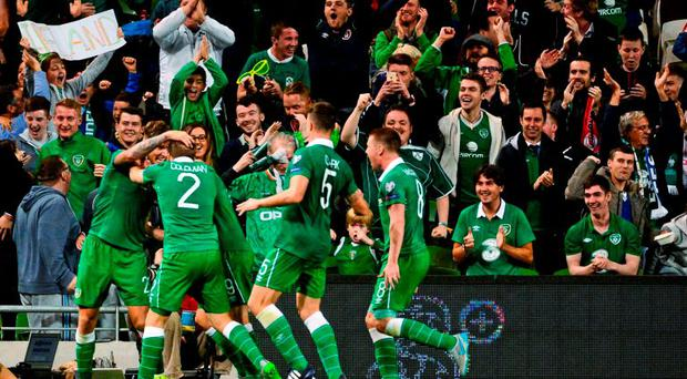 7 September 2015; Republic of Ireland players celebrate their side's first goal, scored by Jon Walters. UEFA EURO 2016 Championship Qualifier, Group D, Republic of Ireland v Georgia, Aviva Stadium, Lansdowne Road, Dublin. Picture credit: Piaras ? M?dheach / SPORTSFILE