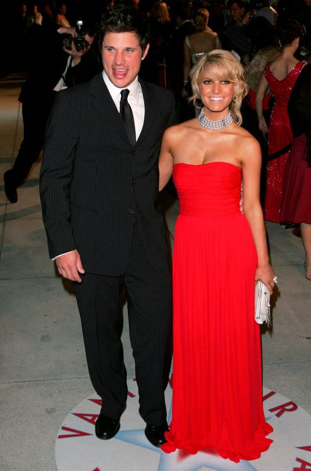 Jessica Simpson and Nick Lachey arrive at the Vanity Fair Oscar Party at Morton's on February 27, 2005 in West Hollywood, California. (Photo by Mark Mainz/Getty Images)