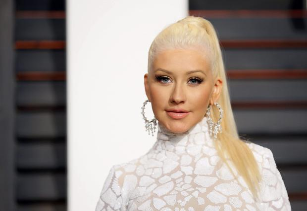 PPChristina-Aguilera--2015-Vanity-Fair-Oscar-Party--02.jpg