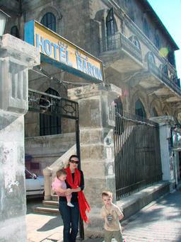 Nicola Anderson with her two children in Damascus