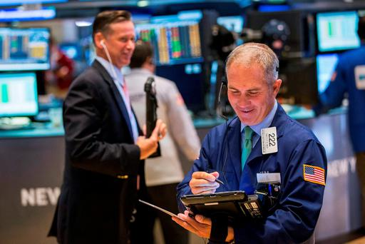 Irish shares began the week with their third straight decline, as traders held fire ahead of the all important meeting of the US Federal Reserve later this week.
