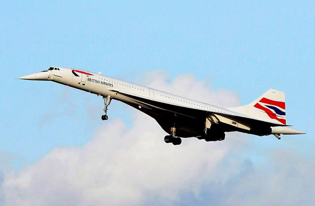 Concorde's last flight from New York lands at Heathrow on October 24, 2003. The airplane was retired from commercial use on that day following a fall in passenger numbers and high maintenance costs. Photo: NICOLAS ASFOURI/AFP/Getty Images)
