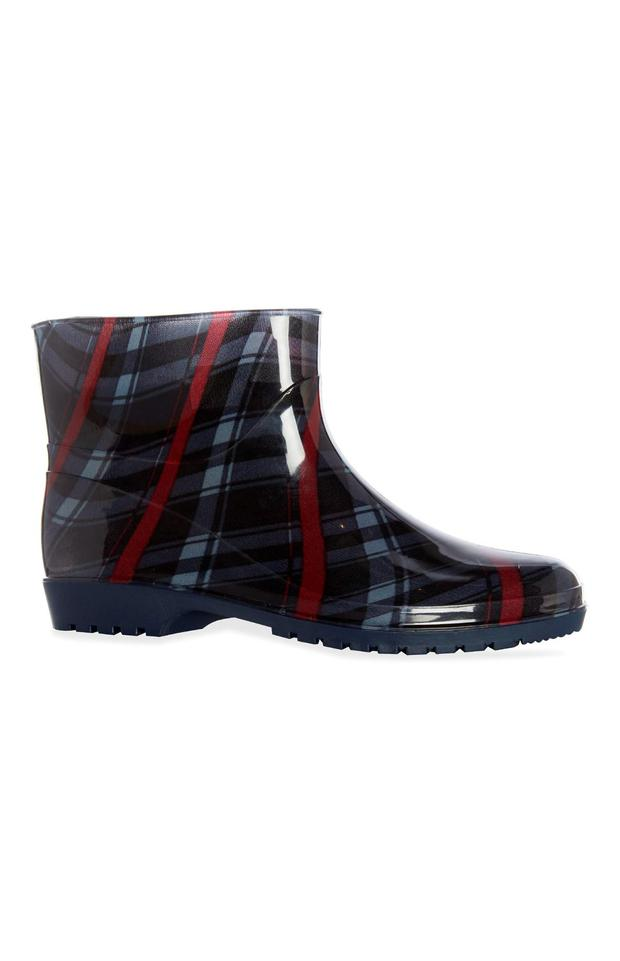 Ankle wellies (€9, Penneys)