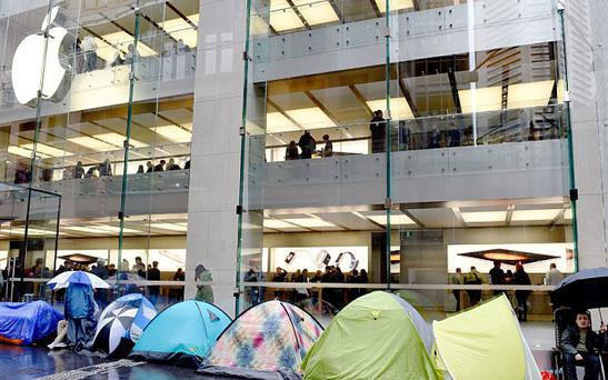 Queues outside the Apple store in Sydney