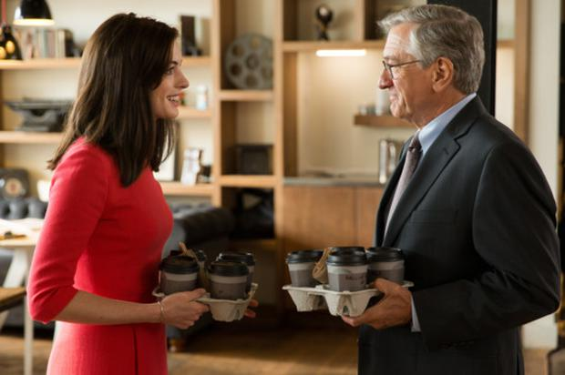 Anne Hathaway and Robert DeNiro in The Intern