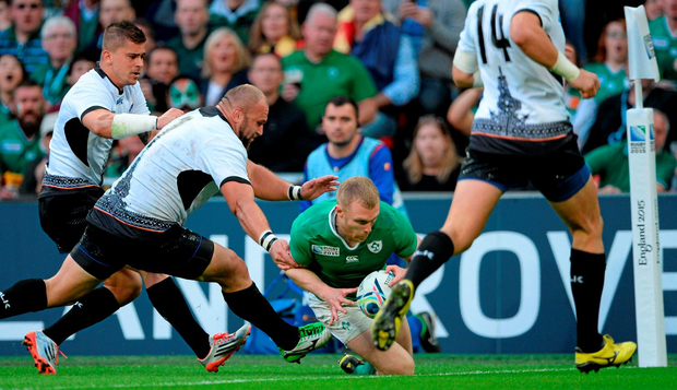 Keith Earls, Ireland, goes over to score his side's third try. 2015 Rugby World Cup, Pool D, Ireland v Romania, Wembley Stadium, Wembley, London, England. Picture credit: Brendan Moran / SPORTSFILE