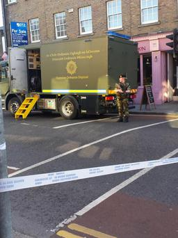 Bomb squad arrive in Ranelagh, Dublin (Photo: Twitter/Micheal Murphy)