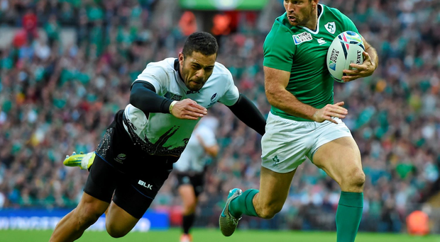 Rob Kearney is unlikely to train fully with the team this morning in Guildford and that makes him a major doubt to face the Azzurri