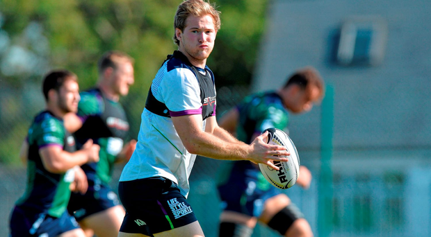 Kieran Marmion has extended his contract with Connacht