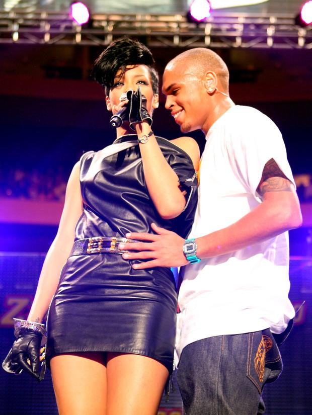 Singers Rihanna and Chris Brown perform on stage during Z100's Jingle Ball at Madison Square Garden on December 12, 2008 in New York City. (Photo by Scott Gries/Getty Images)