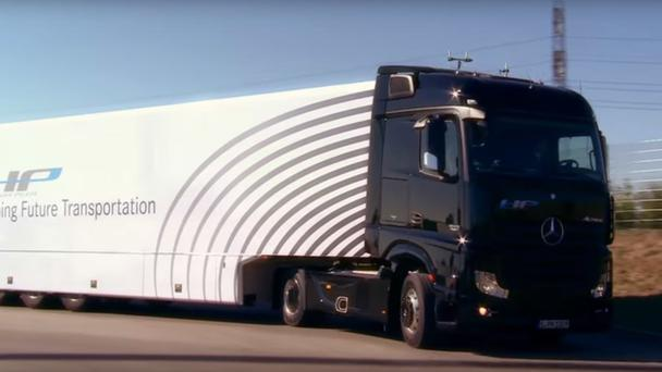The self driving truck Credit : You Tube/Daimler