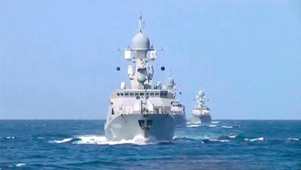 Russian warships are seen sailing in the Caspian Sea in this frame grab taken from footage released by Russia's Defence Ministry October 7, 2015. REUTERS/Ministry of Defence of the Russian Federation/Handout via Reuter