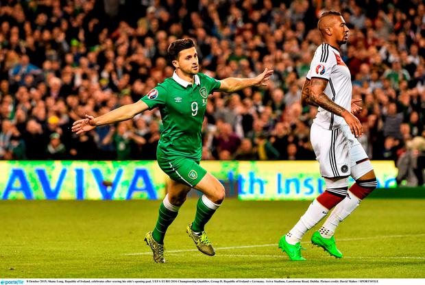 8 October 2015; Shane Long, Republic of Ireland, celebrates after scoring his side's opening goal. UEFA EURO 2016 Championship Qualifier, Group D, Republic of Ireland v Germany. Aviva Stadium, Lansdowne Road, Dublin. Picture credit: David Maher / SPORTSFILE