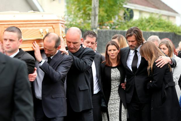Cathriona White funeral. Jim Carrey pictured with Cathrionas sister Lisa Ahern (left). Picture; GERRY MOONEY. 10/10/15