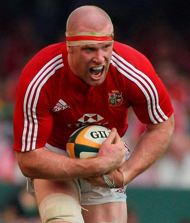 Paul O'Connell of the Lions charges upfield during the First Test match between the South African Springboks and the British and Irish Lions at Kings Park Stadium on June 20, 2009 in Durban, South Africa (Photo by David Rogers/Getty Images)
