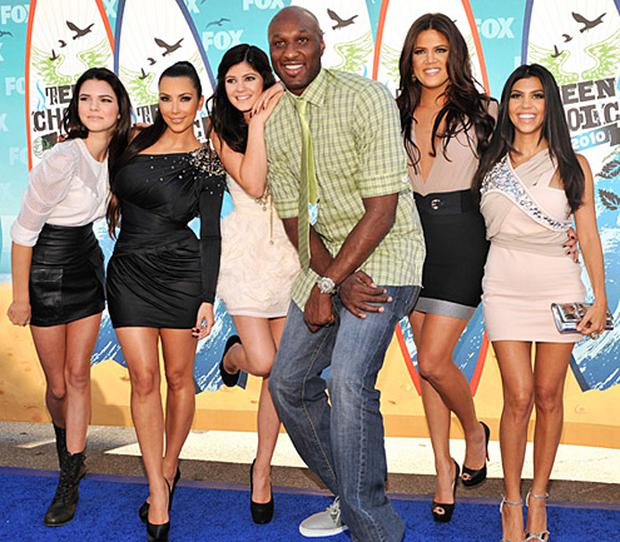 Lamar Odom (centre) with (l to r) Kendall Jenner, Kim Kardashian, Kylie Jenner, Khloe and Kourtney Kardashian