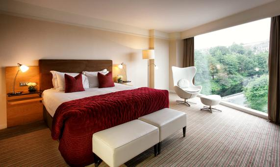 River Lee Hotel - executive bedroom