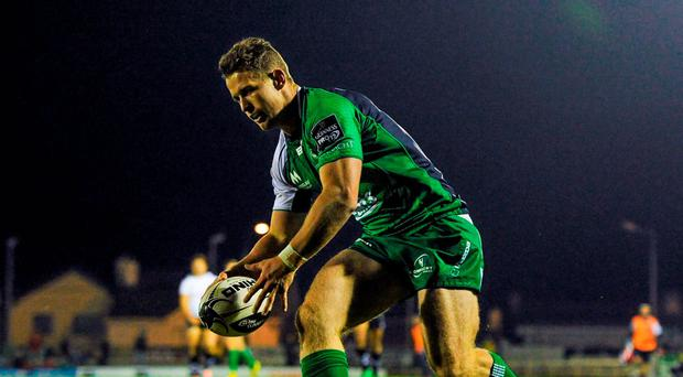 16 October 2015; Matt Healy, Connacht, scores his side's first try. Guinness PRO12, Round 4, Connacht v Zebre. Sportsground, Galway. Picture credit: Seb Daly / SPORTSFILE