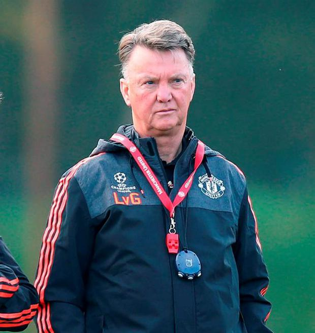 Manchester United manager Louis van Gaal (right) and physiotherapist Jos van Dijk during a training session at Carrington Training Ground, Manchester. PRESS ASSOCIATION Photo. Picture date: Tuesday October 20, 2015. See PA story SOCCER Man Utd. Photo credit should read: Peter Byrne/PA Wire.
