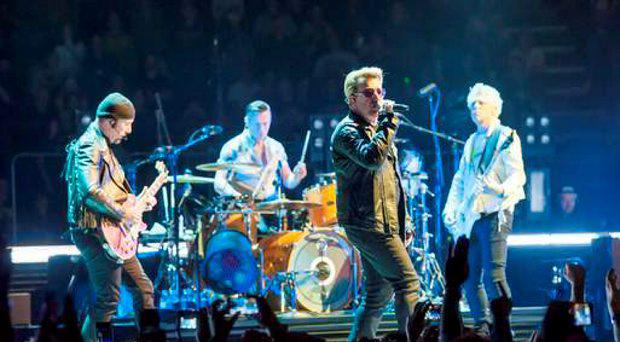 U2 have caused controversy over a tribute to the victims of the 1974 UVF Dublin and Monaghan bombings