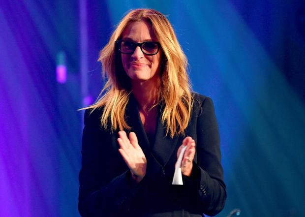 Actress Julia Roberts speaks onstage during amfAR's Inspiration Gala Los Angeles at Milk Studios on October 29, 2015 in Hollywood, California. (Photo by Mike Windle/Getty Images for amfAR)