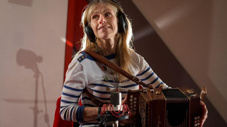 Sharon Shannon during a recording session at Windmill Lane Recording Studios. 25/9/2015 Picture by Fergal Phillips