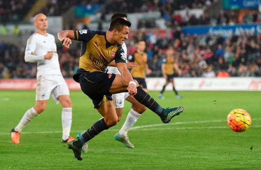 Football - Swansea City v Arsenal - Barclays Premier League - Liberty Stadium - 31/10/15 Arsenal's Alexis Sanchez in action Action Images via Reuters / Alan Walter Livepic EDITORIAL USE ONLY. No use with unauthorized audio, video, data, fixture lists, club/league logos or