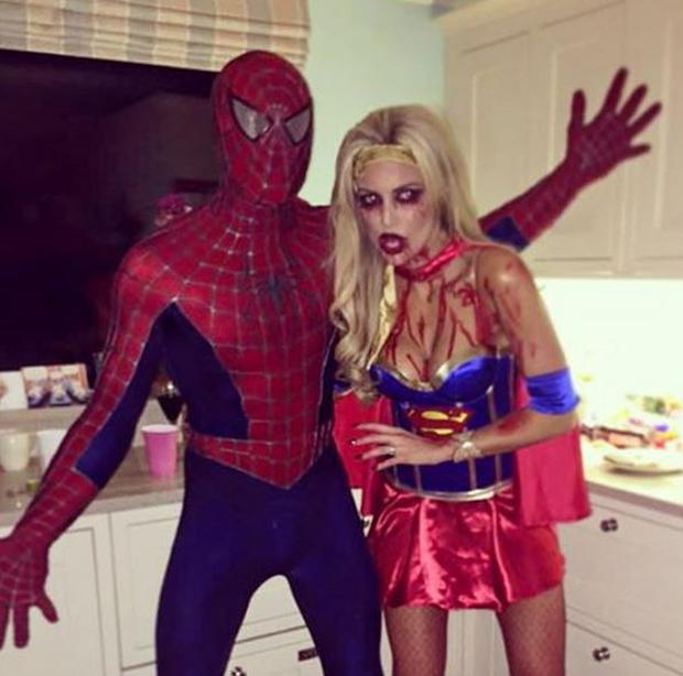 Rosanna dressed up as an evil Super Woman this Halloween Photo Instagram: @RosannaPurcell