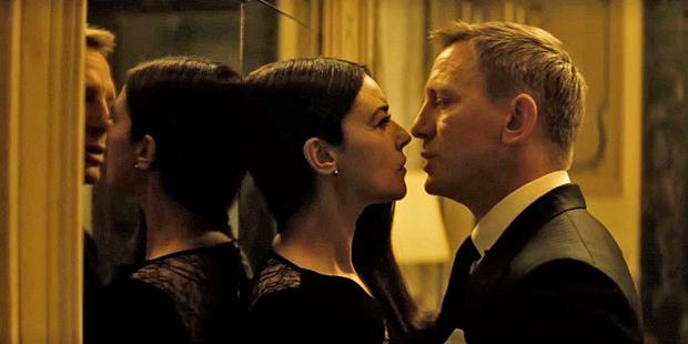 Daniel Craig and Monica Belluci in Spectre