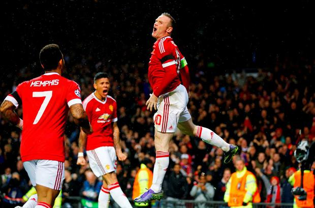 Manchester United's Wayne Rooney celebrates scoring their first goal Reuters / Darren Staples Livepic