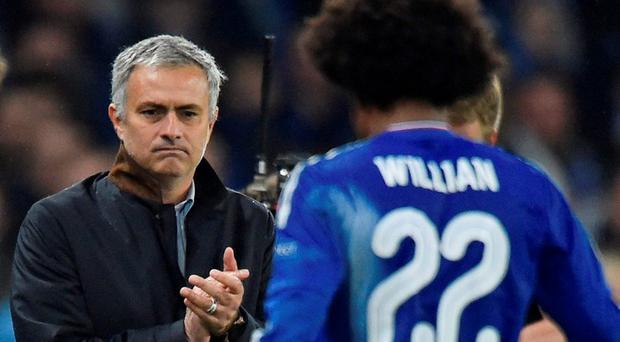 Chelsea manager Jose Mourinho applauds Willian as he is substituted Reuters / Toby Melville