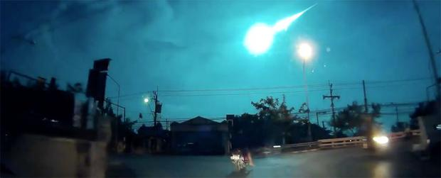 The fireball meteor blazed across the night sky Credit: YouTube/rookee deedee