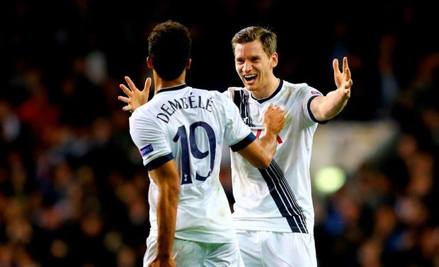 Mousa Dembele #19 of Spurs celebrates with teammate Jan Vertonghen of Spurs after scoring his team's winner during the UEFA Europa League Group J match between Tottenham Hotspur FC and RSC Anderlecht at White Hart Lane