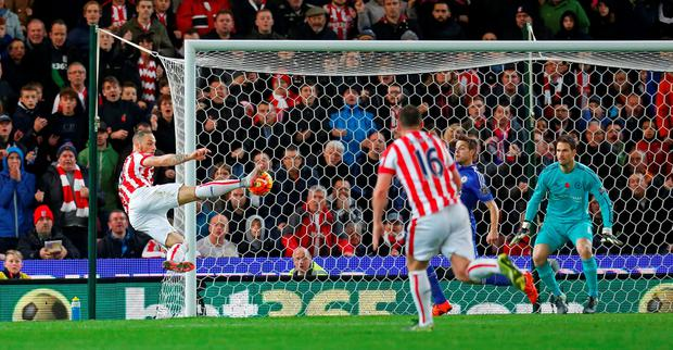 Football - Stoke City v Chelsea - Barclays Premier League - Britannia Stadium - 7/11/15 Stoke's Marko Arnautovic scores the first goal for his side Action Images via Reuters / Ed Sykes Livepic EDITORIAL USE ONLY. No use with unauthorized audio, video, data, fixture lists, club/league logos or