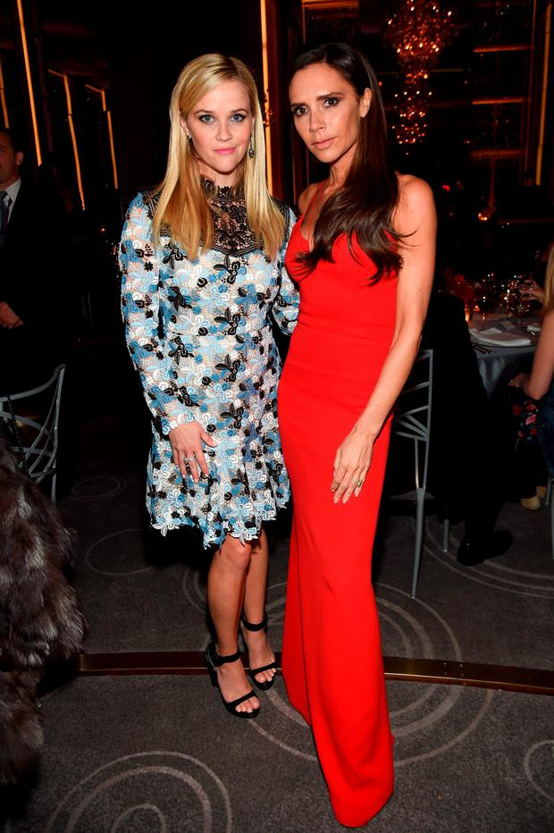 Actress Reese Witherspoon (L) and designer Victoria Beckham attend the 2015 Glamour Women of The Year Awards dinner hosted by Cindi Leive at The Rainbow Room on November 9, 2015 in New York City. (Photo by Jamie McCarthy/Getty Images for Glamour)