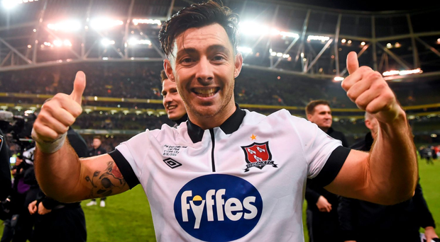Dundalk FC's Richie Towell is torn between staying with the double winners and pursuing a fresh start in England