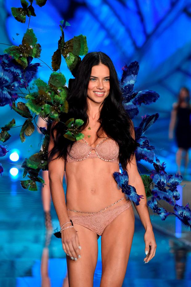 Model and Victoria's Secret Angel Adriana Lima walks the runway during the 2015 Victoria's Secret Fashion Show at Lexington Avenue Armory on November 10, 2015 in New York City. (Photo by Dimitrios Kambouris/Getty Images for Victoria's Secret)