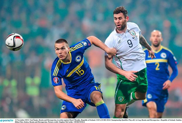 Toni Šunjic in action against Daryl Murphy at Stadion Bilino Pole, Zenica, Bosnia and Herzegovina. Picture credit: Stephen McCarthy / SPORTSFILE