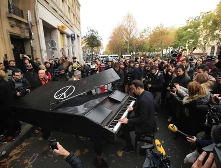 The Strombo Show ?@TheStromboShow 46m46 minutes ago WATCH: Pianist performs John Lennon's 'Imagine' outside the Bataclan in Paris http://youtu.be/ynsq5ms9lvI #PeaceForParis