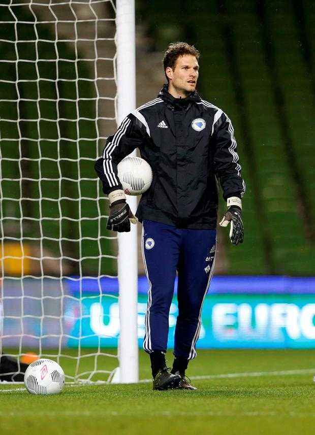 Football - Bosnia & Herzegovina Training - Aviva Stadium, Dublin, Republic of Ireland - 15/11/15 Bosnia's Asmir Begovic during training Action Images via Reuters / Lee Smith Livepic