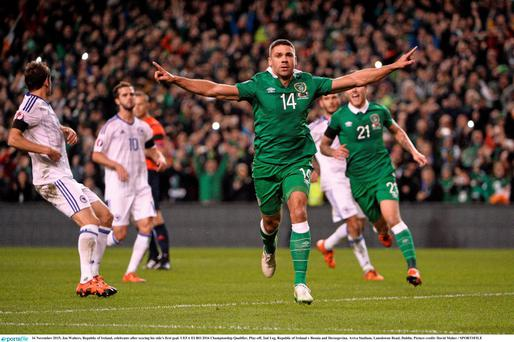 Republic of Ireland's Jonathan Walters celebrates scoring from the penalty spot