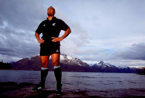 Jul 1999: Jonah Lomu of the New Zealand All Blacks in Queenstown, New Zealand. Photo: Mark Dadswell /Allsport